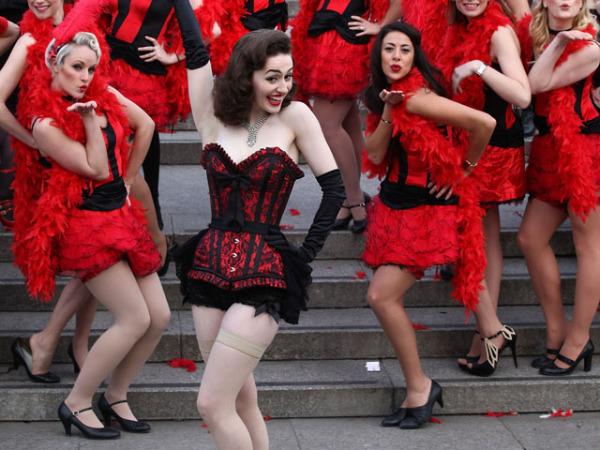эро танци фото